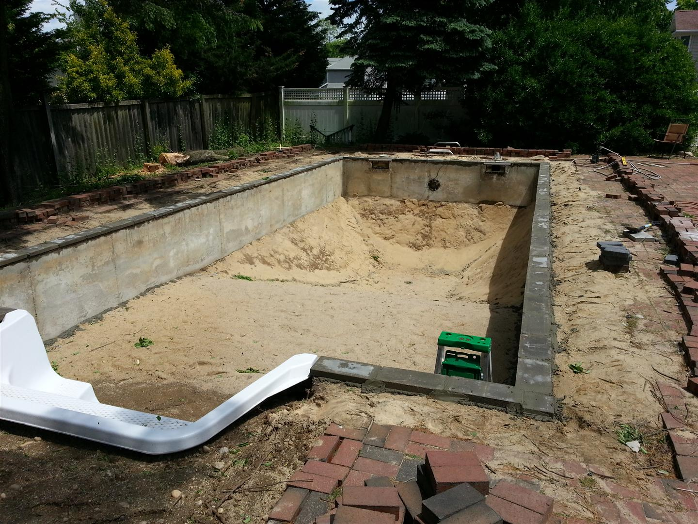 Diy Ig Rehab Cement Walls Vinyl Liner Pool Filled Page 3